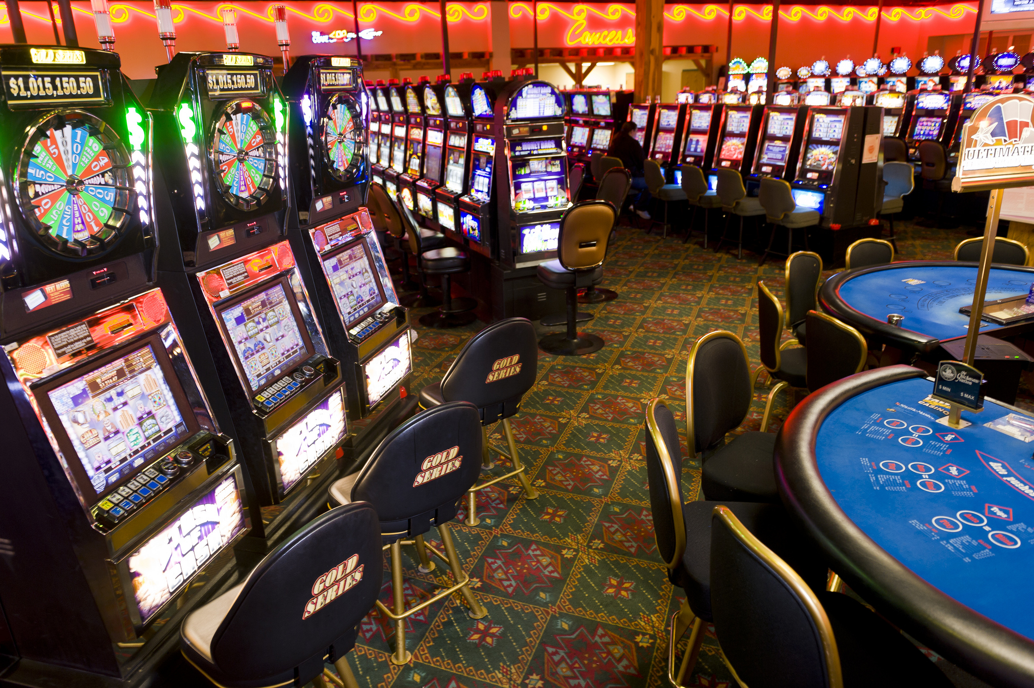 Top 10 Tips for Staying Safe When Playing in Online Casinos